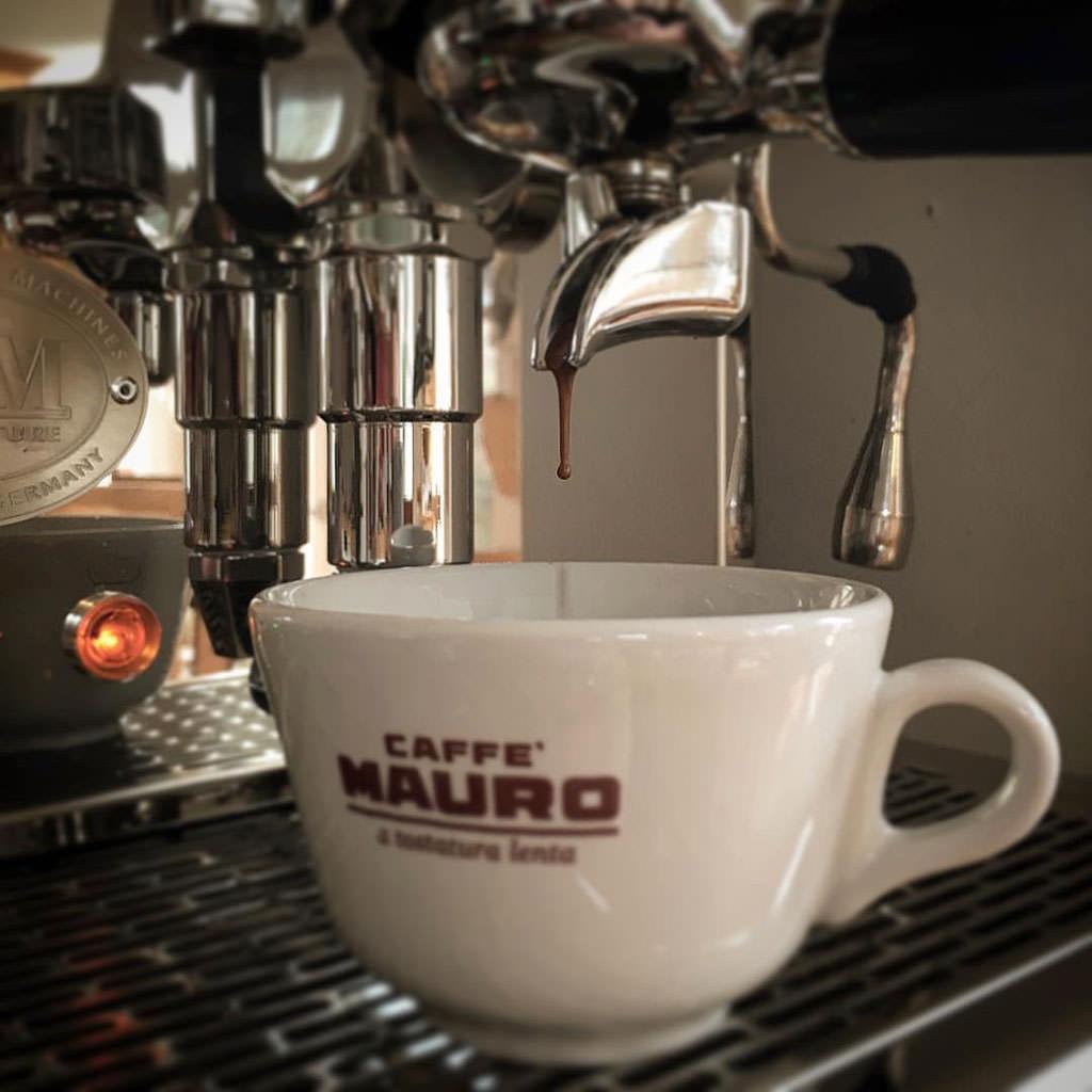 Brewing a cappuccino with my ECM Technika