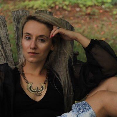 Stephanie 🔮 🌙 Back to Casting Spells