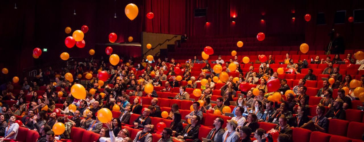 Photos of flying balloons at Smashing Conference